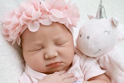 2021年农历八月十七日出生女孩起名属水的字有哪些?