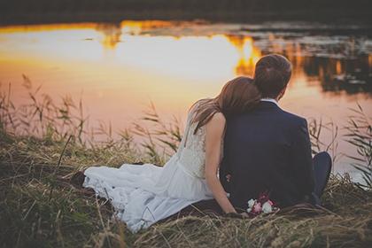 2021年农历九月初九适不适合订婚纳采?